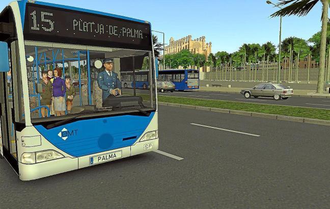 Der Spieler steuert am Computer die blauen Stadtbusse durch Palma. Die Nummer 15 fährt eigentlich nicht an der Kathedrale entlan