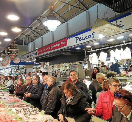 Auf den Gourmetmärkten in Palma de Mallorca war kurz vor Silvester viel Betrieb.