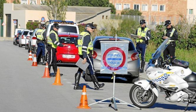 Alkoholkontrolle der Lokalpolizei von Palma de Mallorca.