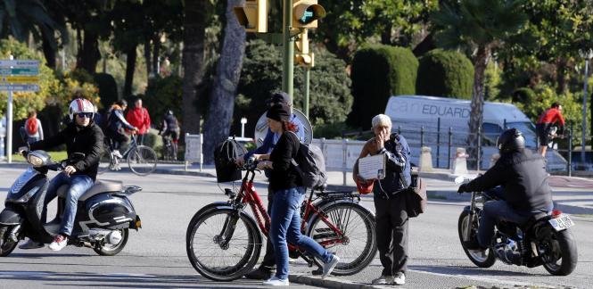 """Die Ampel-Bettler arbeiten nach Angaben von """"Ultima Hora"""" von Montag bis Freitag an verschiedenen Punkten in der Innenstadt von"""