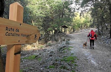 Der Wanderweg Catalina Homar ist zu Beginn und am Ende der öffentlichen Finca Son Moraguesausgewiesen