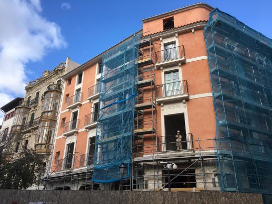 Am Rathaus von Palma schreiten die Arbeiten am Hotel der der Cappuccino-Gruppe fort. Es soll 2017 öffnen.