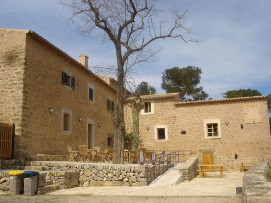 Die bewirtete Wanderherberge in Son Amer, in der Nähe von Lluc im Westen von Mallorca, die bis zu 52 Menschen Schlafplätze biete