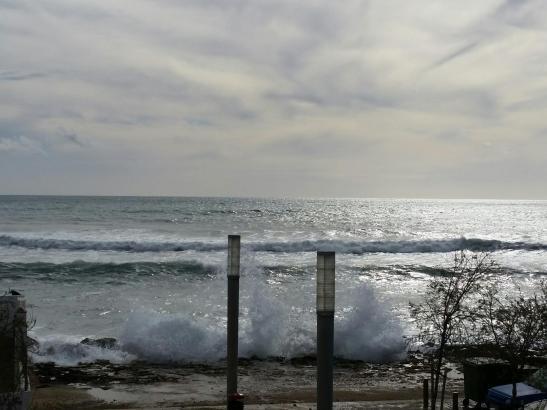 In Küstennähe ist aufgrund des hohen Wellengangs besondere Vorsicht geboten