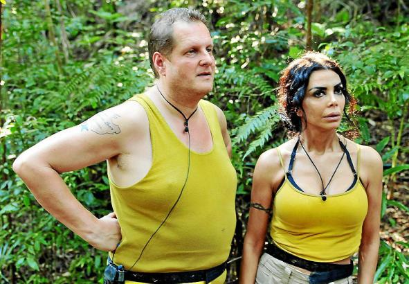 Jens Büchner mit Reality-TV-Star Kader Loth im RTL-Dschungelcamp.