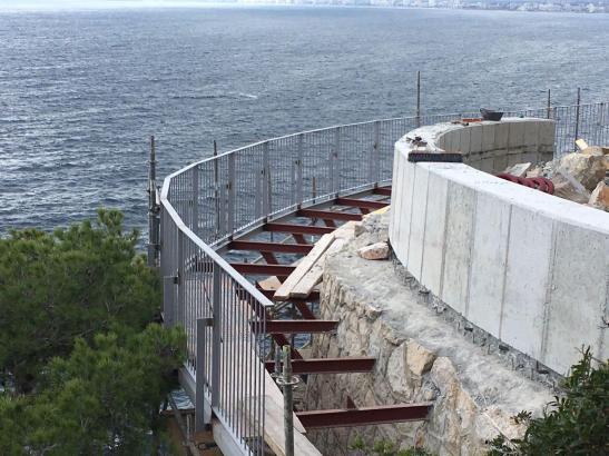 Die Arbeiten am Aussichtspunkt an der Costa dels Pins im Osten von Mallorca schreiten voran.
