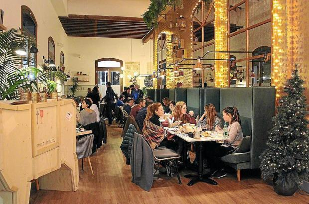"""La Parada"" heißt das neue, moderne Restaurant an Palmas Metro-Station."