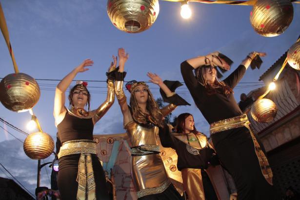 Für ihr Ägypter-Outfit bekam diese Gruppe in Marratxí einen Preis.