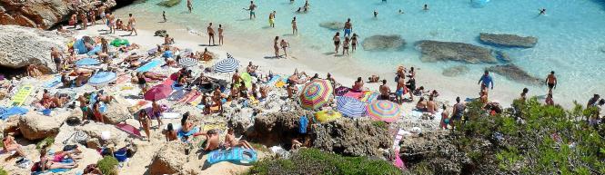 Kleine Buchten wie die Cala s'Almonia sind dem Touristenansturm nicht mehr gewachsen.