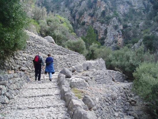 Die Wanderer auf dem Barranc de Biniaraix müssen künftig außerhalb des Dorfes parken.