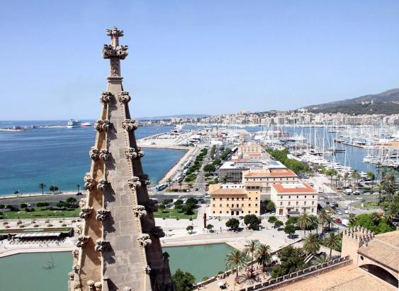 Neben vielen schönen Stränden ist die Balearen-Hauptstadt Palma ein Grund,. warum Urlauber nach Mallorca kommen.