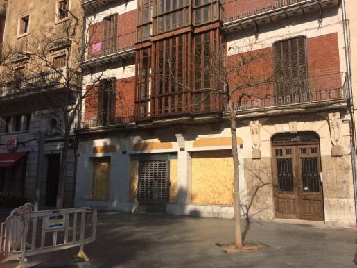 In diesem Gebäude an der Plaza de España soll demnächst eine McDonald's-Filiale eröffnen.