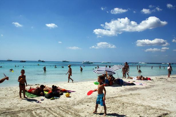 Eines der Argumente für Mallorca sind die vielen abwechslungsreichen Strände, wie hier die Playa von Es Trenc.