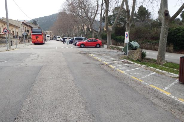Bisher konnten Busse in Valldemossa kostenlos stehen