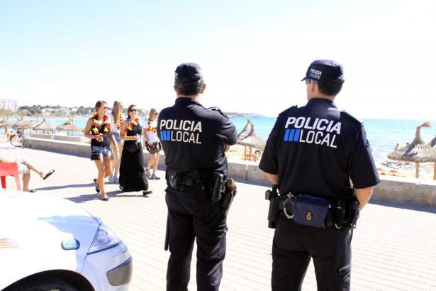 Lokalpolizei an der Playa de Palma