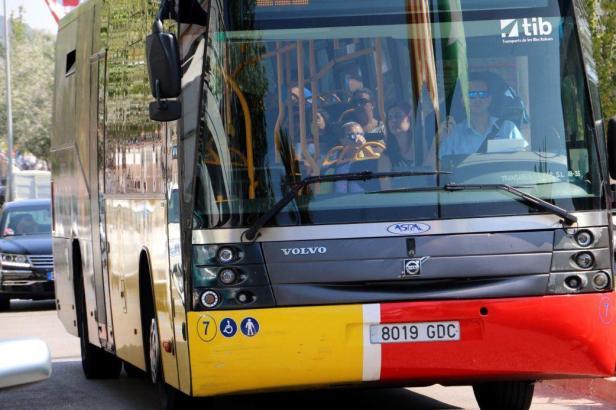 """Die """"Aerotib""""-Busse fahren im Streckennetzt der TIB-Busse."""