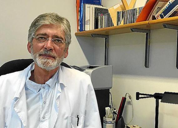 Dr. Werner Brill Kremer, Facharzt im Krankenhaus von Manacor