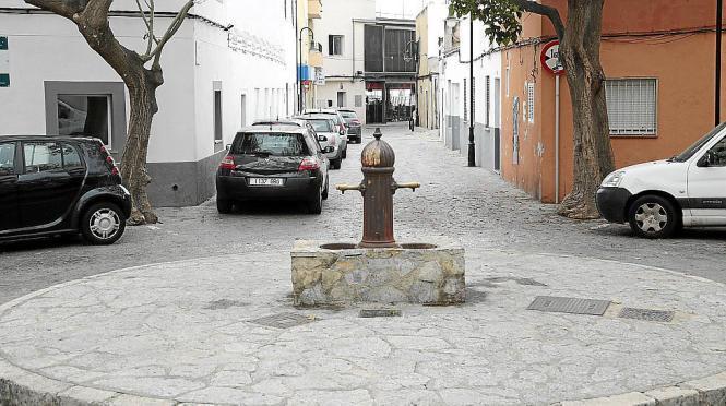 Einige Anwohner wollen die Plaza Sa Font vom Verkehr befreien. Die Mehrheit der Bewohner von El Molinar aber hat Angst, dass es