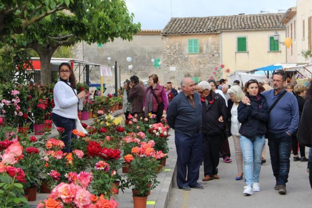 """Das Stadtfest """"Costitx en flor"""" im Herzen Mallorcas"""