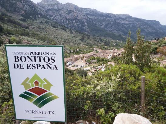 Schilder verraten dem Besucher, dass er sich in einem besonders hübschen Ort befindet.