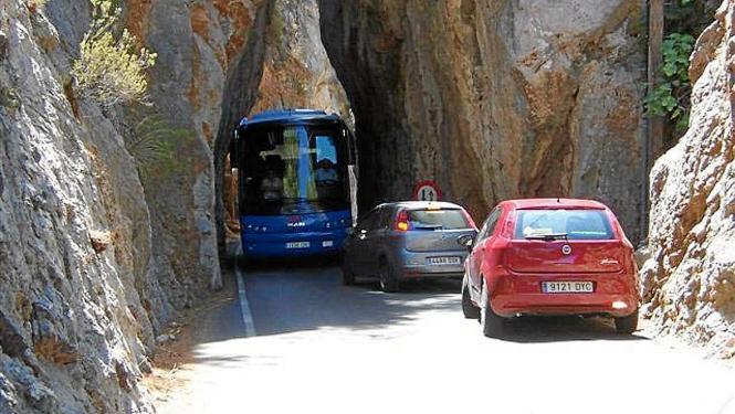 Im Sommer werden deutlich weniger Busse die Küstenstraße entlang fahren.