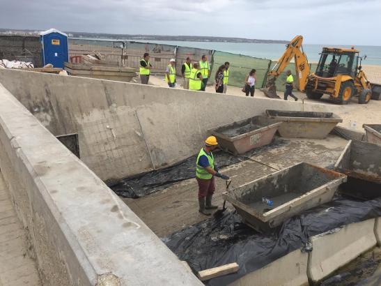 Säuberungs- und Sanierungsarbeiten an dem vier Kilometer langen Kanal der Playa de Palma.