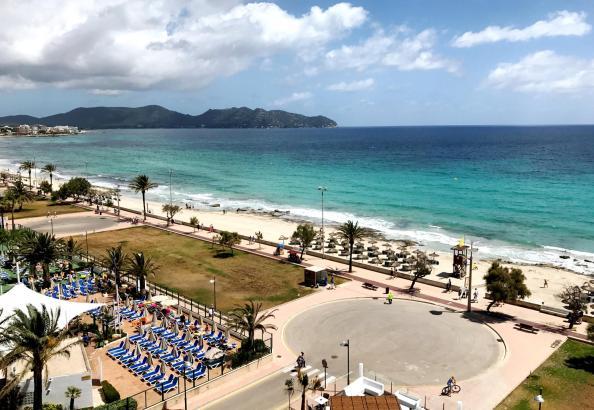 Blick vom Allsun-Hotel Borneo in Cala Millor