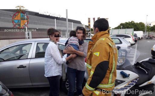 Das Baby war in einem Auto in der Nähe vom Ocimax in Palma eingeschlossen