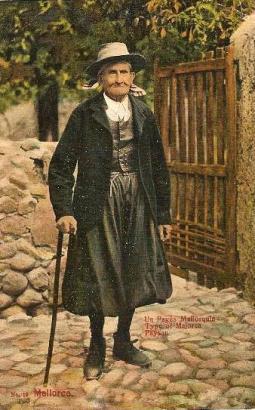 """Der 'padrí' , oder """"Großvater"""" von Pollença gilt als erstes Mallorca Model, die Fotos entstanden vor rund 100 Jahren."""