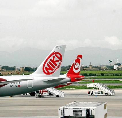 aviones air berlin y niki aeropuerto