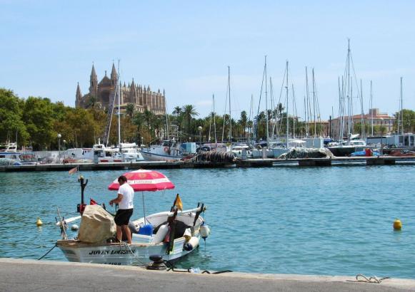 Die Mallorca-Metropole Palma ist eine pulsierende Großstadt, hat aber auch viele romantische Seiten.