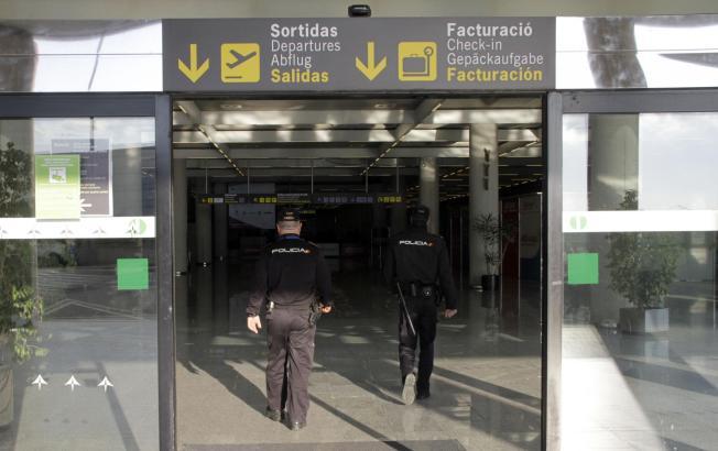 Vor allem mit Briten sollen Palmas Polizisten am Flughafen immer wieder Probleme haben.