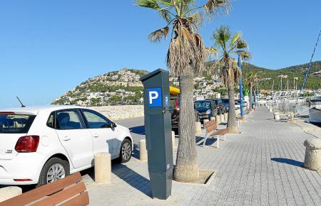 Die neuen Parkautomaten stehen bereits. Jetzt heißt es: Ticket ziehen in Port d'Andratx