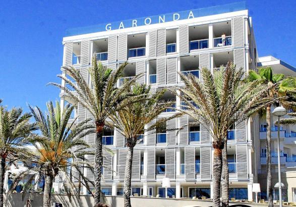 2015 als erstes Fünf-Sterne-Hotel an der Playa de Palma zu neuem Leben erweckt, seit 2016 gehört das Garonda zur Marke Pure Salt