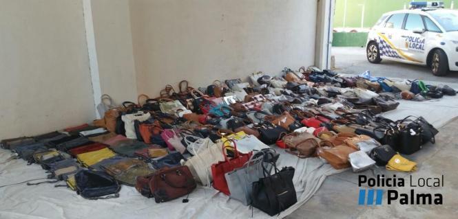 Die Taschen wurden in einem Lieferwagen gefunden
