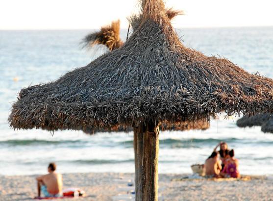 Gesehen hat einen solchen Sonnenschirm vermutlich schon jeder Mallorca-Urlauber. Dass es sich dabei meist um heimische Produktio