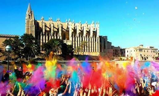 Das Holi-Fest im Parc de la Mar in Palma