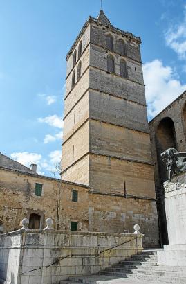 Unter dem Glockenturm der Kirche von Sineu soll sich die Achse der Welt befinden