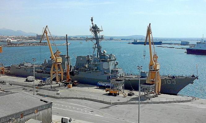 Die USS Truxtum hat in Palma de Mallorca festgemacht.