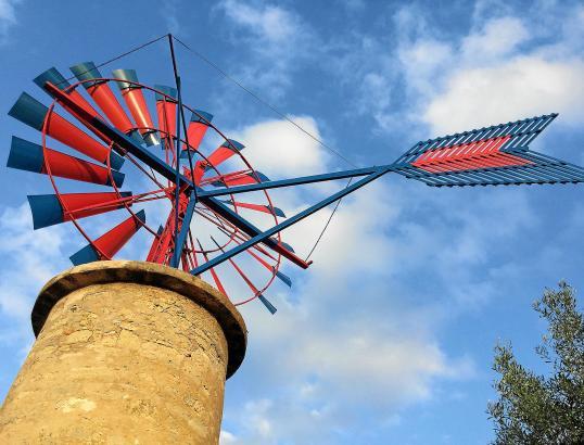 Windmühle zum Wasserpumpen auf Mallorca.