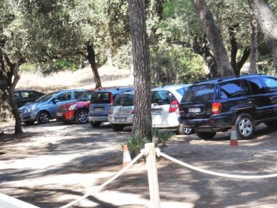 Die Parkplätze an der Playa Formentor auf Mallorca haben keine Betriebsgenehmigung.