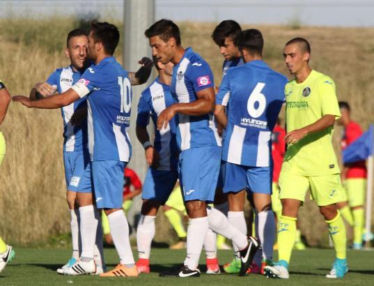 Hier freuen sich die Atlético-Baleares-Kicker über einen der Treffer gegen Getafe.