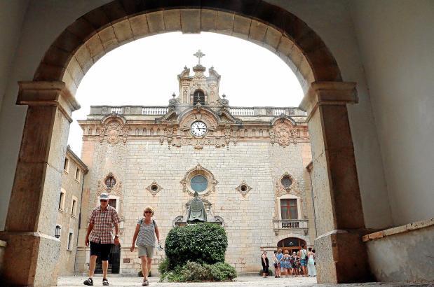 Die Basilika ist das Herzstück des Pilgerzentrums Lluc