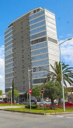 Der Torre Asima in Palmas Gewerbegebiet Son Castelló - Symbol für Wirtschaftsstandort Mallorca.