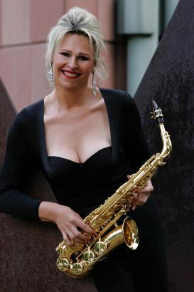 Verena Mösch alias Lorena: Das Saxofon liegt ihr besonders am Herzen