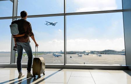 Die Zeiten sind vorbei, in denen Passagiere zwei Handgepäckstücke mit in den Flieger nehmen konnten