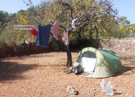 Die Polizei hat auf Mallorca drei illegale Campingplätze geschlossen.