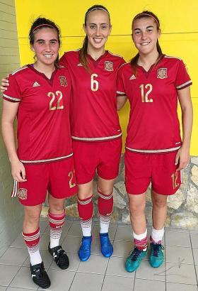 Die Mallorquinerinnen Mariona Caldentey, Virginia Torrecilla und Patricia Guijarro spielen für Spanien.