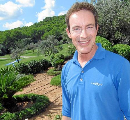 Gedeon Burkhard am Samstag auf dem Golfplatz Son Muntaner. Hier hatte er kurz vorher seine ersten Golfschläge des Jahres gemacht