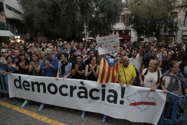 Wenn es nach einigen Vertretern der Partei Més geht, stimmen auch die Balearen-Bürger in naher Zukunft über eine Loslösung von S